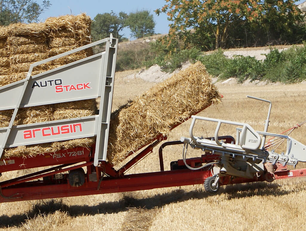 Automatic bale loader AutoStack FSX - ARCUSIN
